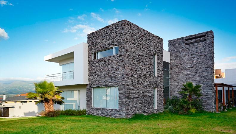 Construcci n de chalets modernos vivienda sana for Frentes de chalets modernos